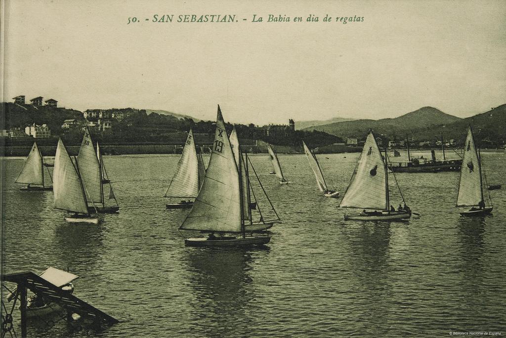 Día de regatas en la bahía de La Concha. 1905. Autor, Biblioteca Nacional de España