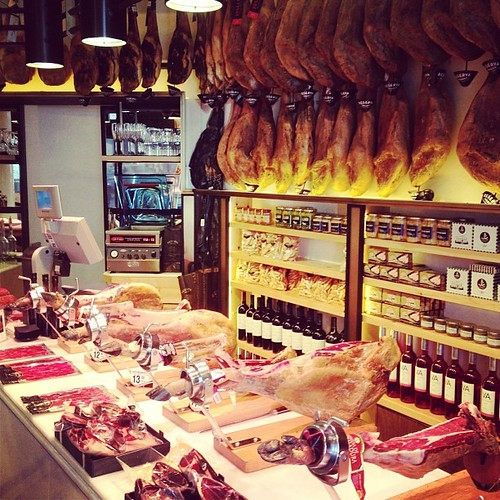 I'm in heaven... enjoying Gourmet Century in Barcelona ♡ Daisuke's friend's ham shop. #gourmetcentury #reservaiberica #ham #barcelona