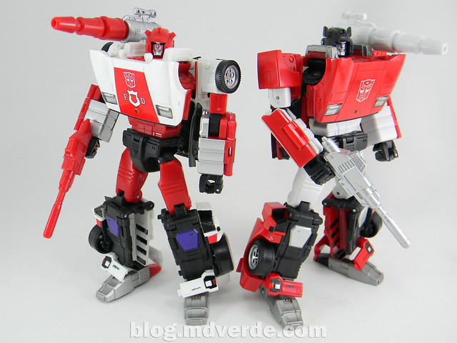 Transformers Red Alert - Masterpiece - modo robot vs Sideswipe