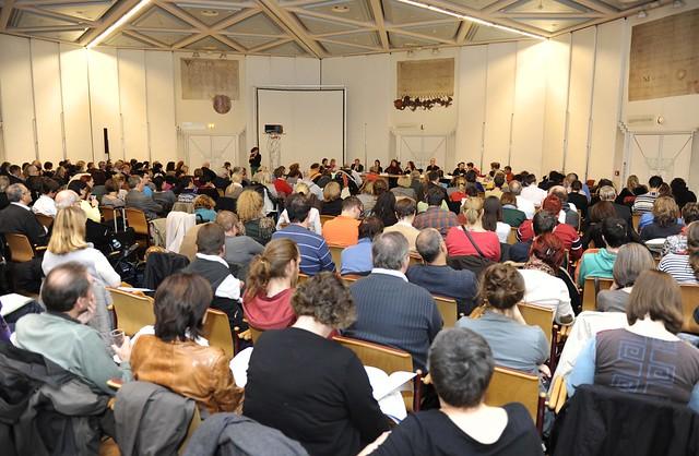 Mehr als 300 Personen beim Monitoringausschuss am 7.11.2013