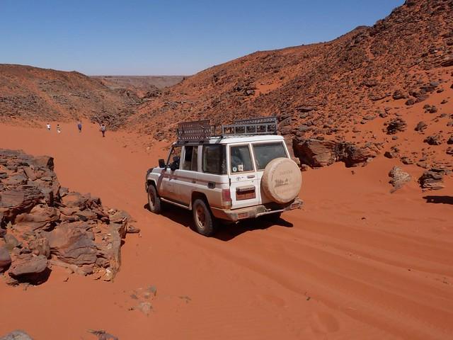 Wadi Hamra en la Meseta de Gilf Kebir (Desierto Líbico, Egipto)