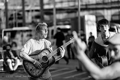 Le bras d'honneur - Concert des 'Bonheurs inutiles'