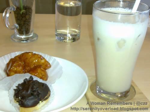 Happy_Cream_Puff_Caramel-Petit-Puffs-chocolate-chips, Happy Cream Puff, food, Shangrila Plaza East Wing