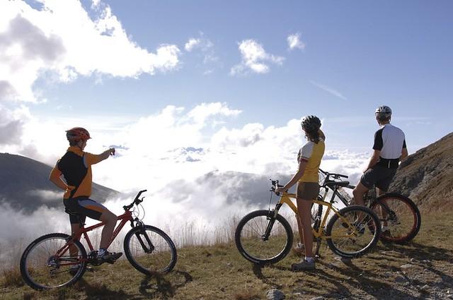 Mountainbike die morgendliche Bergsonne