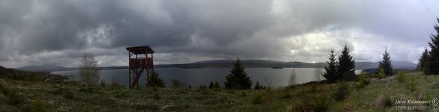 Pogled na jezero iznad osmatračnice