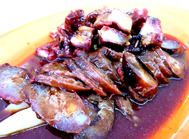 Uncle Teh's Corner barbecued ribs & sausages