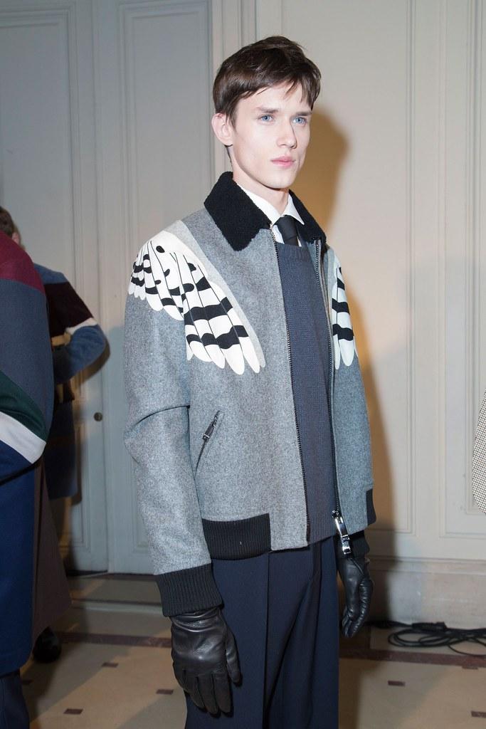 Yulian Antukh(Antuh)3123_FW15 Paris Valentino(fashionising.com)