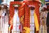 Les tabots Des prêtres portant des répliques de l'Arche - Fête de Timkat