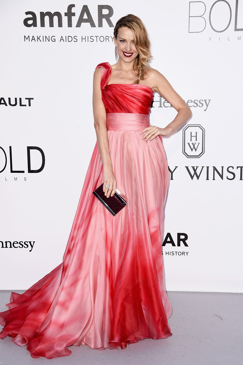 celebrities_invitados_gala_amfar_cinema_against_aids_festival_cannes_2016_584358976_800x