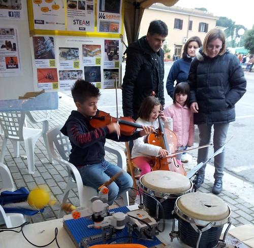 WeBot @MusicPlease Musica & Robotica