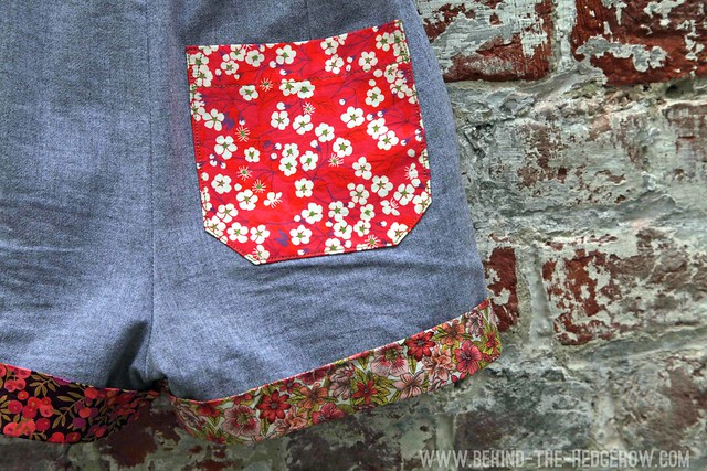 banyan shorts - back pocket detail