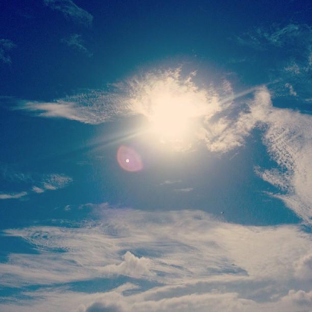 Mirando al sol de cara, antes de que vuelva a desaparecer.  #summer #views