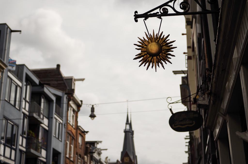 Amsterdam, Details on Haarlemmerdijk
