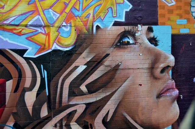 Graffiti de una mujer en el barrio del Bronx