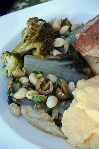 10823953515 f967327c96 Poitrine de porc braisée aux légumes verts – Polenta à la féta