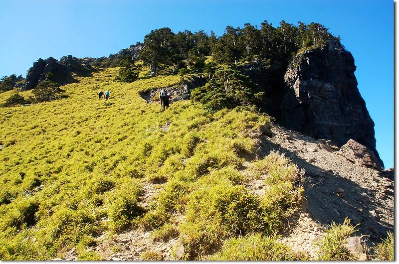 頭鷹山崩壁 2