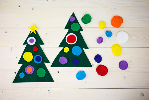 Felt Christmas Tree Preschool Craft - The Nerd's Wife