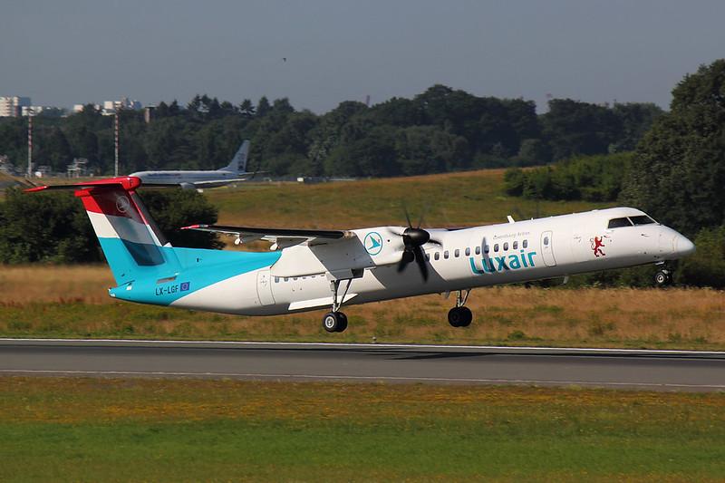 Luxair - DH8D - LX-LGF (1)