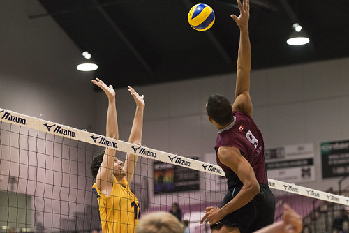 McMaster Volleyball vs Queen's