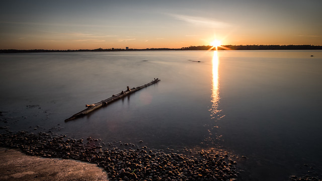 Sunset in Hietaniemi beach - Helsinki, Finland - Seascape photography