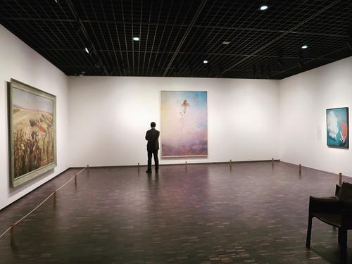近代の日本絵画を中心に、写真、彫刻なども。写真NGのマークがある作品以外は、基本的に常設展は撮影OK。