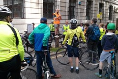 John briefing the riders