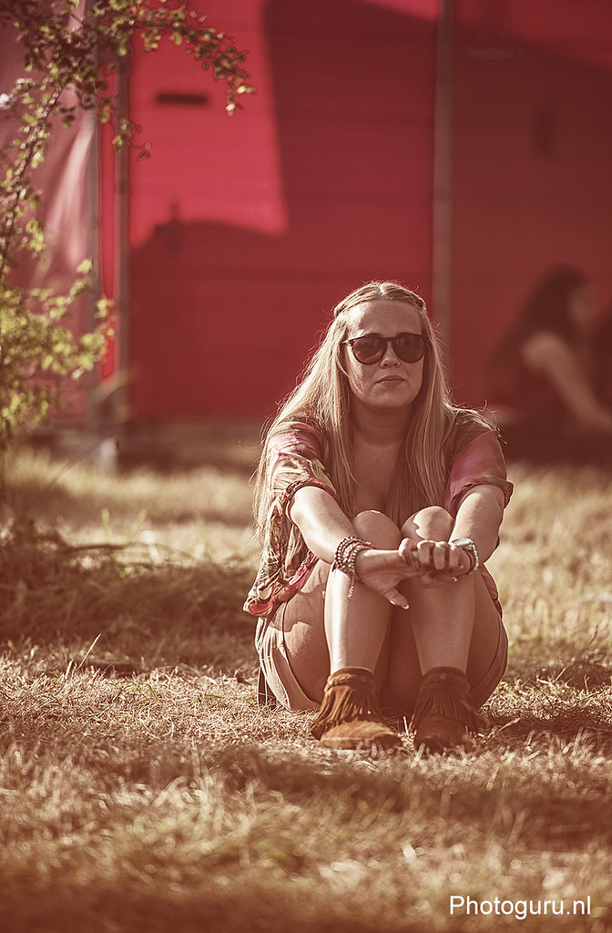 girl enjoying the sun during latin village 2013
