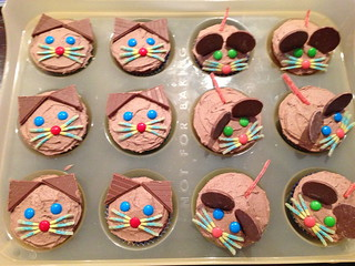 Cat and Mouse Cupcakes