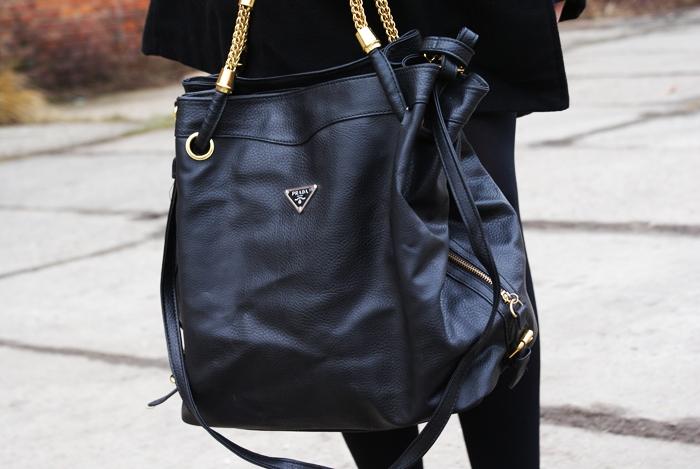 czarna torebka prada z lumpeksu