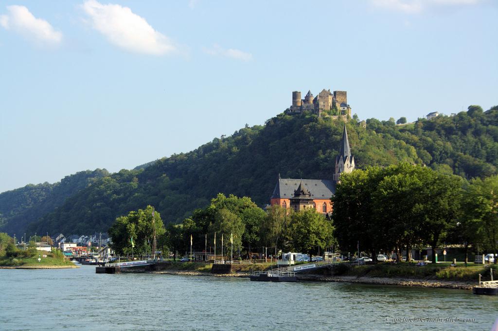 23. Hermoso castillo a orillas del Rin. Oberwesel. Autor, Michael.Berlin