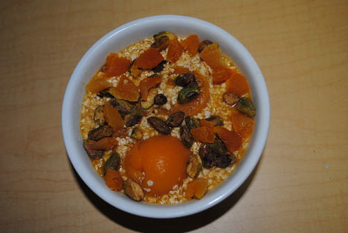 Overnight Apricot and Pistachio Oats (2)