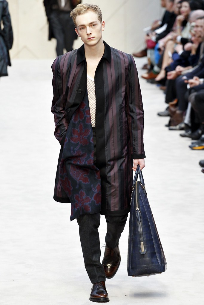 FW14 London Burberry Prorsum039_Marijn Valk(VOGUE)