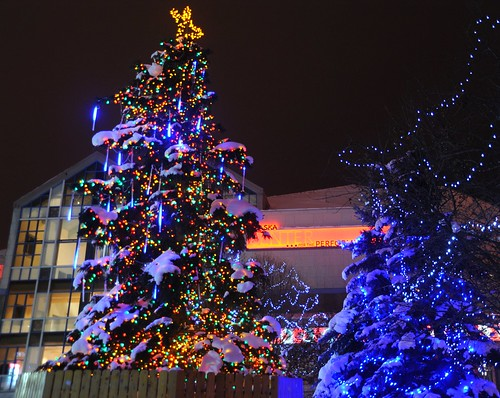 Christmas tree, animated lights, capped by a star, cold weather paradise, City of Anchorage, Alaska, USA by Wonderlane