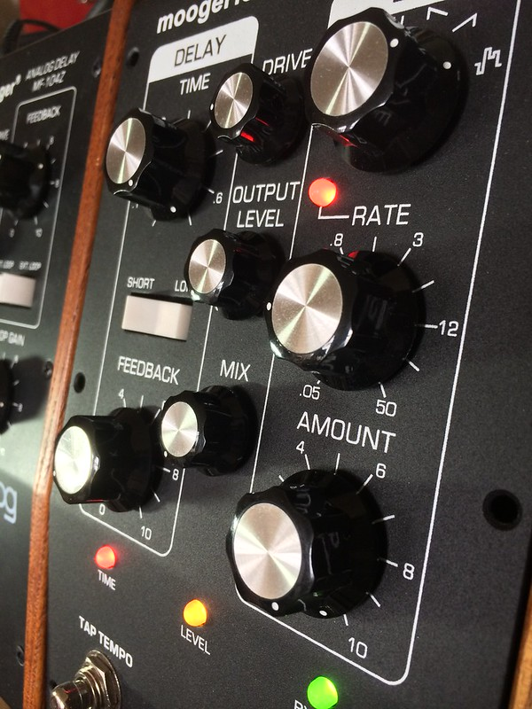 Moogerfooger Drone - Moog MF - 101 Filter To MF - 104M Delay