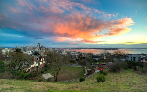 seattle city sunset canon colorful downtown cityscape pacificnorthwest spaceneedle kerrypark washingtonstate pnw canoneos5dmarkiii samyang14mmf28ifedmcaspherical