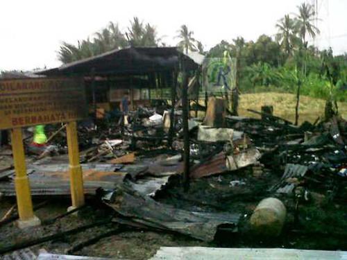 Rumah dan Jios nasi Ludes Dilahap Api