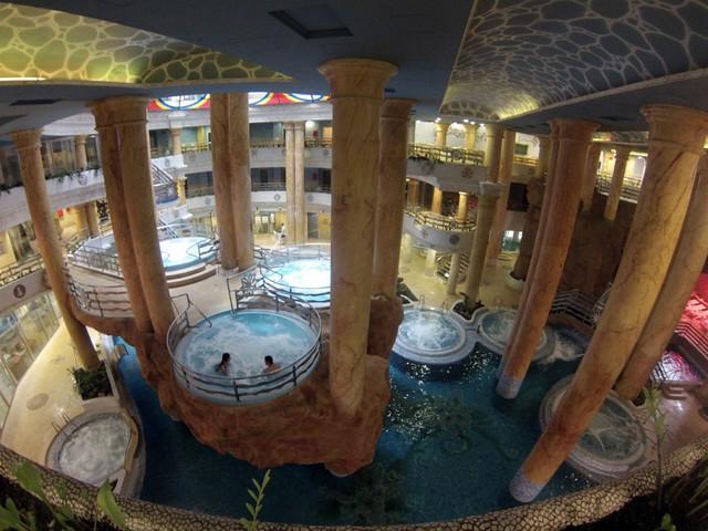 Vista interior del Balneario desde la zona VIP marina d'or - 14003760347 73d97f1606 z - Marina D'or, ciudad de vacaciones para niños y adultos