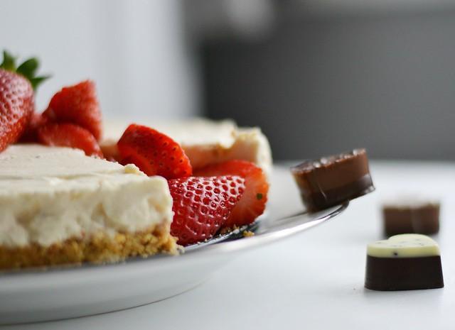 Lindtt Strawberries and Cream Cheesecake 3