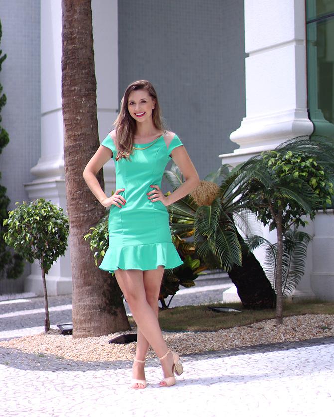 02-look do dia vestido verde naguchi e sandália web blush petite jolie