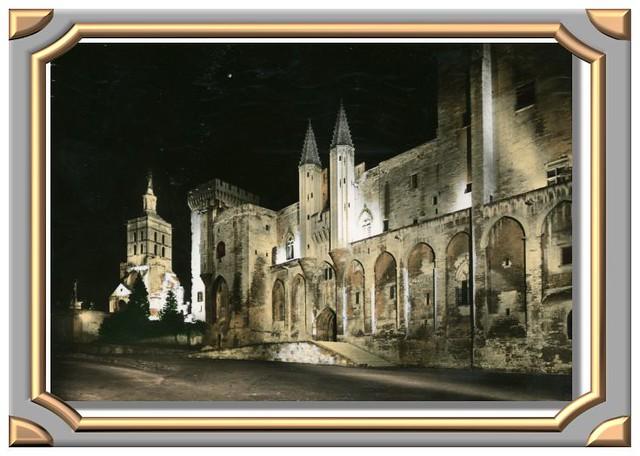 AVIGNON Palais des Papes la nuit