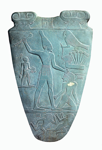 2_3_Narmer_Palette_smiting_side