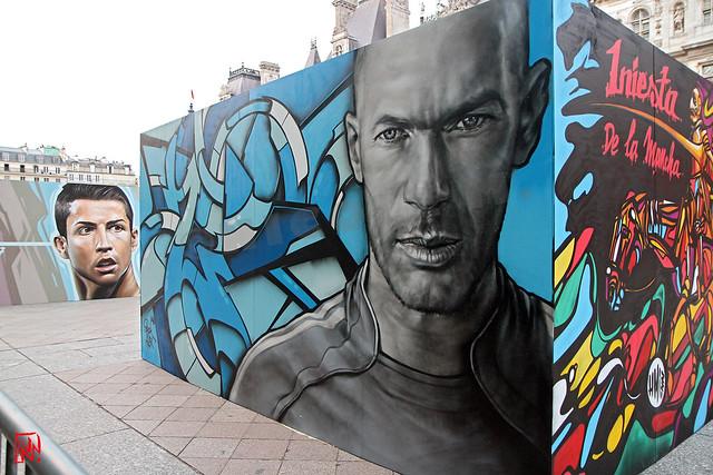 Zidane par Alex & Brok et Ronaldo  par Belin
