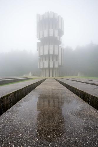 monument concrete memorial bosnia ww2 spomenik