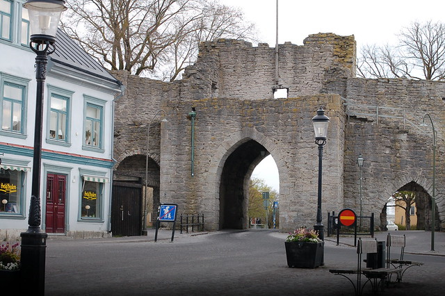 Ringmuren ingång // The ringwall gate in Visby - photo by iHanna
