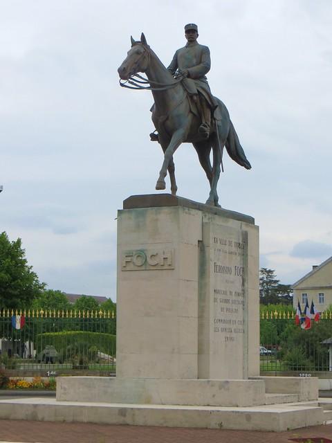 Statue de ferdinand foch tarbes 1851 paris 1929 - Office tourisme grande bretagne paris ...