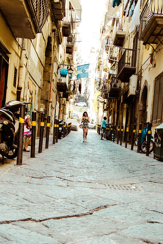 Walking on Naples alleys by Davide Restivo