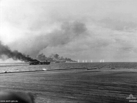 USS_St_Lo_(CVE-63)_making_smoke_during_Battle_of_Samar_1944