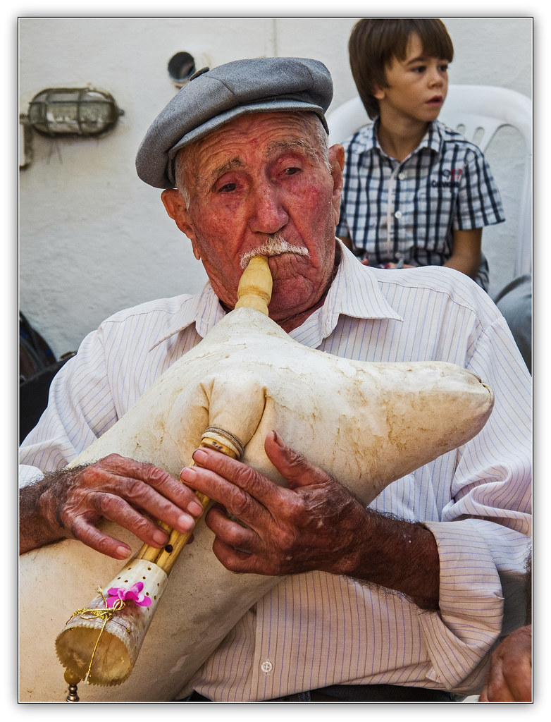 1121 - Traditional Greek Folk Musicians, Paros, Greece