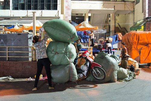 Heavy load motorbike by kewl