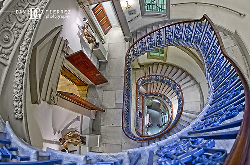 London Art Gallery Interior by david gutierrez [ www.davidgutierrez.co.uk ]